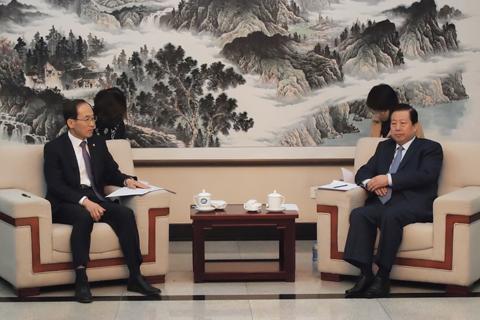 환경부장관, 중국 환경보호부 장관 양자회담 사진